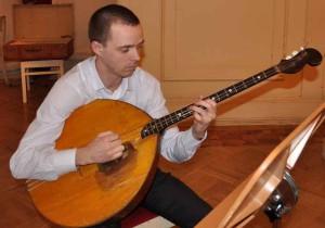 Иванов Иван  (домра басовая)