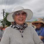 М. А. Флит консультирует журналистов по вопросам правильной посадки роз