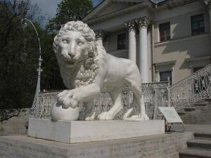 львы на Елагином острове