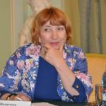 Л. Фомичева КАРТИННЫЙ ДОМ 020