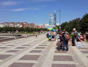 Главная аллея парка 300-летия СПб